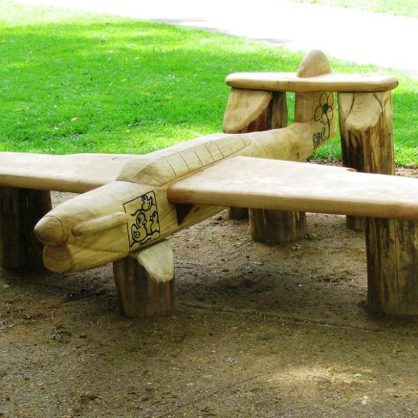 hand-carved-bench-in-wroughton